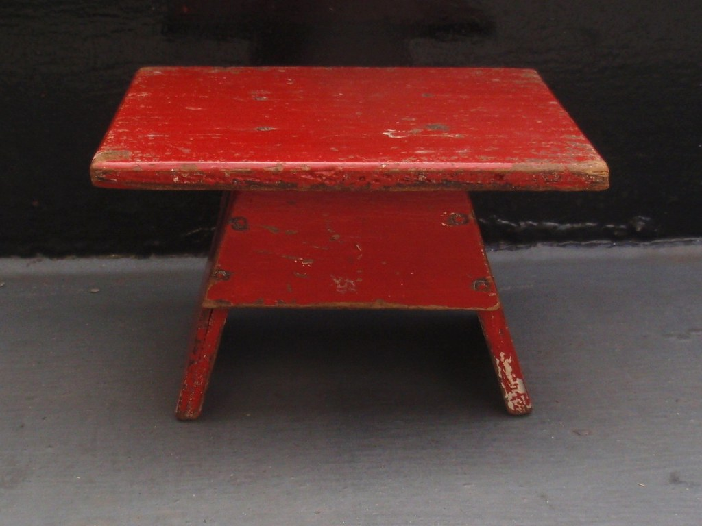 Modernistische rode tafel 1930