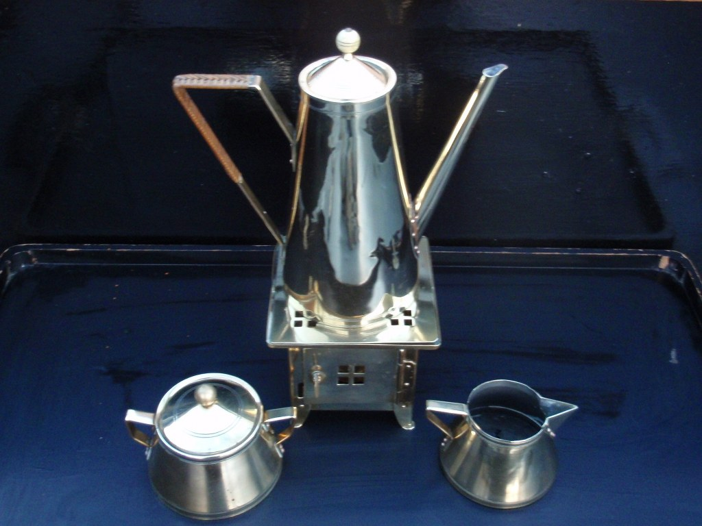 Copper coffee set 1900 in the manner of Eissenloefel