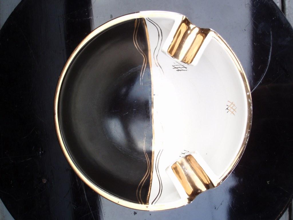 Dutch space ashtray