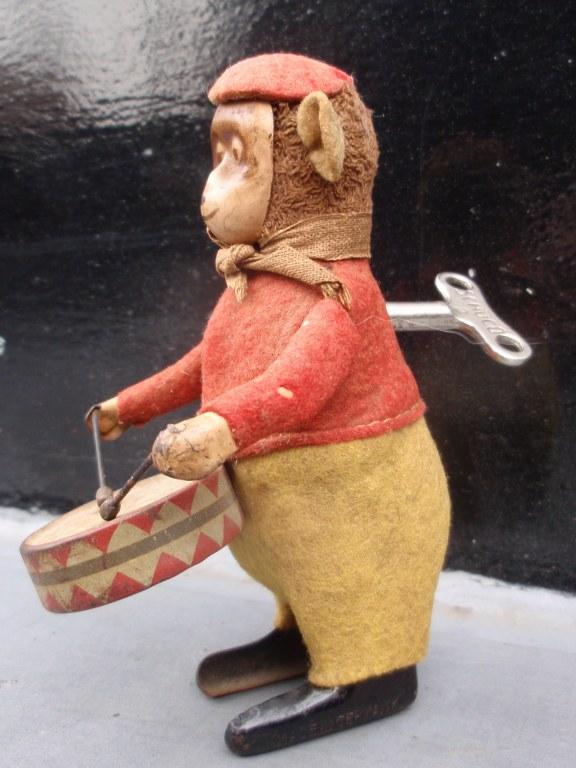 Affe Schuco mit Trommel
