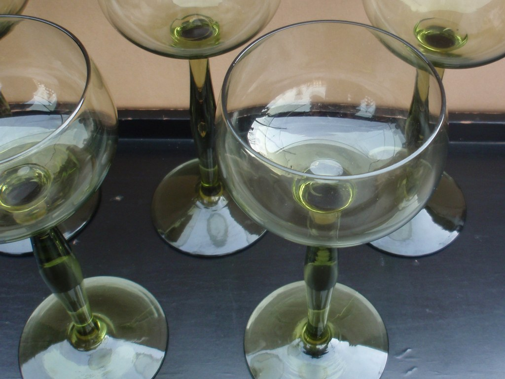 Set olive green white wineglasses by Peter Behrens