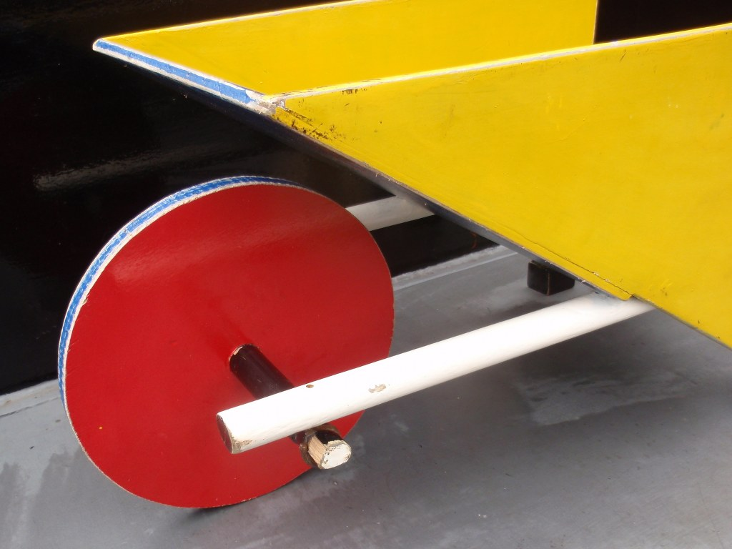 Replica toy wheelbarrow Gerrit Rietveld