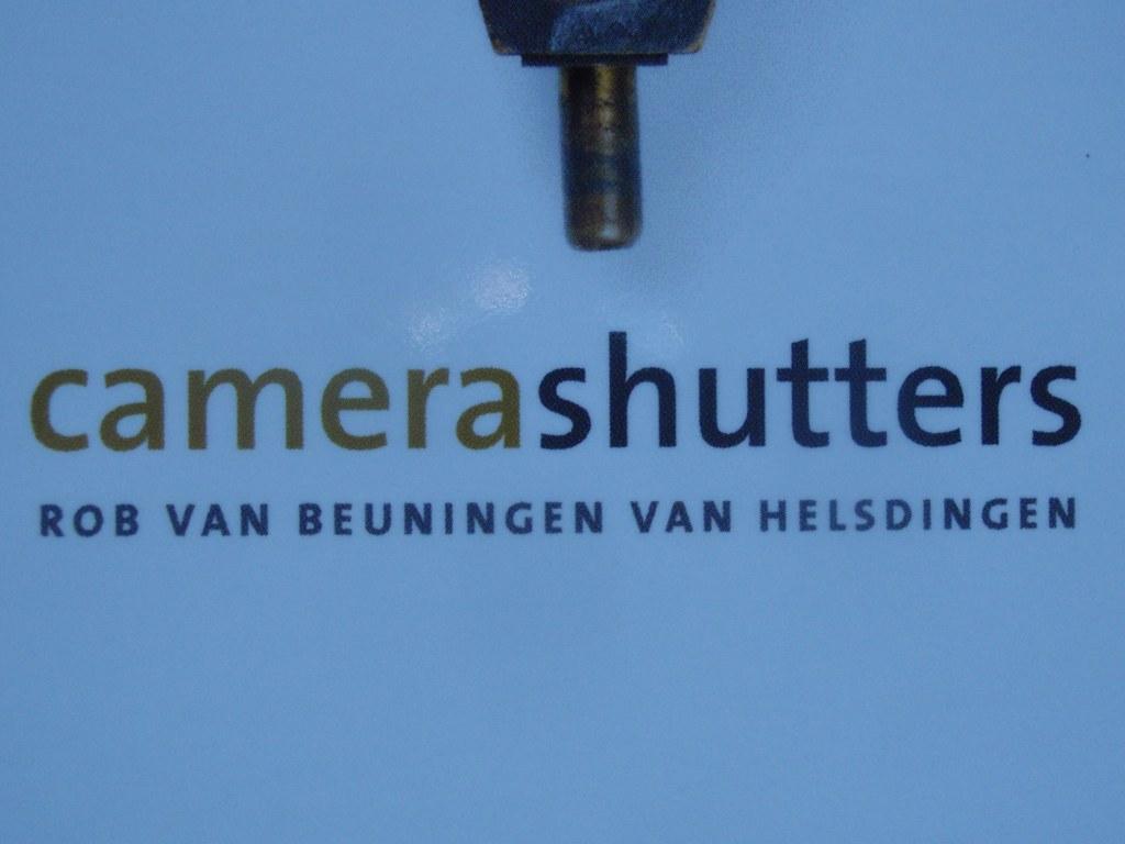 Boek camera shutters