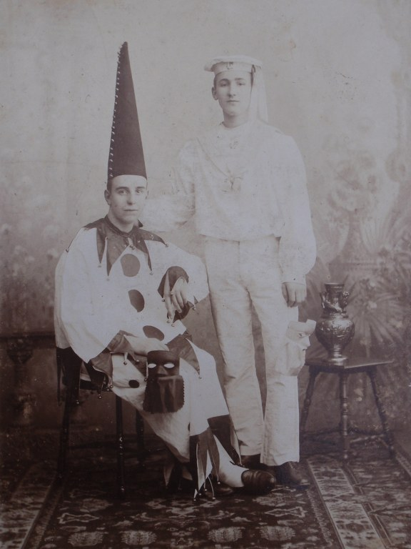 Carnavaleske groeten uit de Leemput 1899