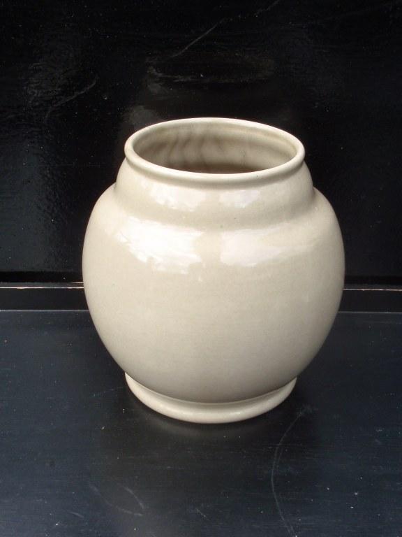 Grey undecorated Velsen vase