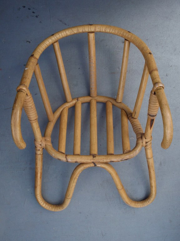 Fifties rattan child seat for bicycle