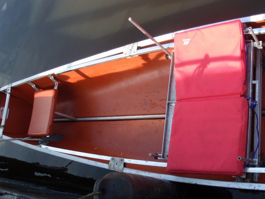 aluminium visplateau met drijfkussen