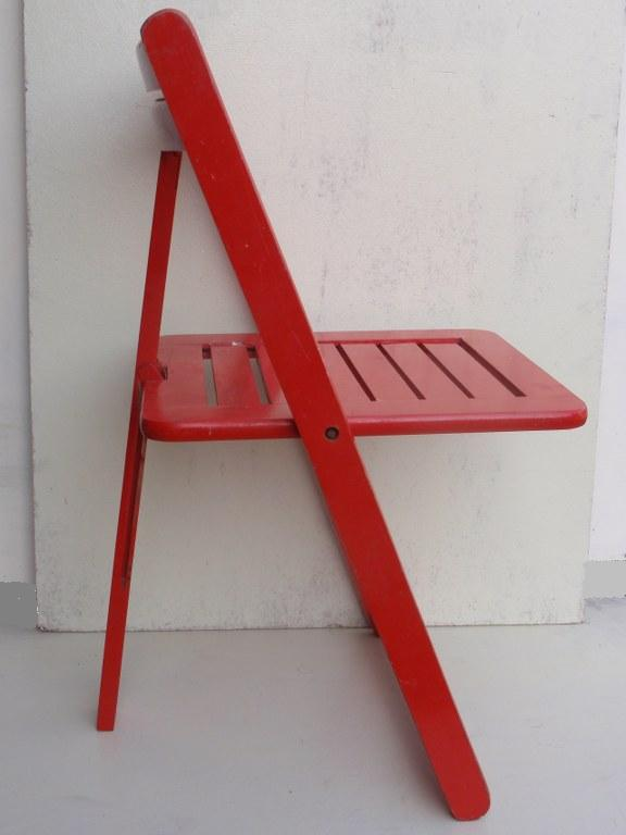 Unique wooden folding chair with tripod