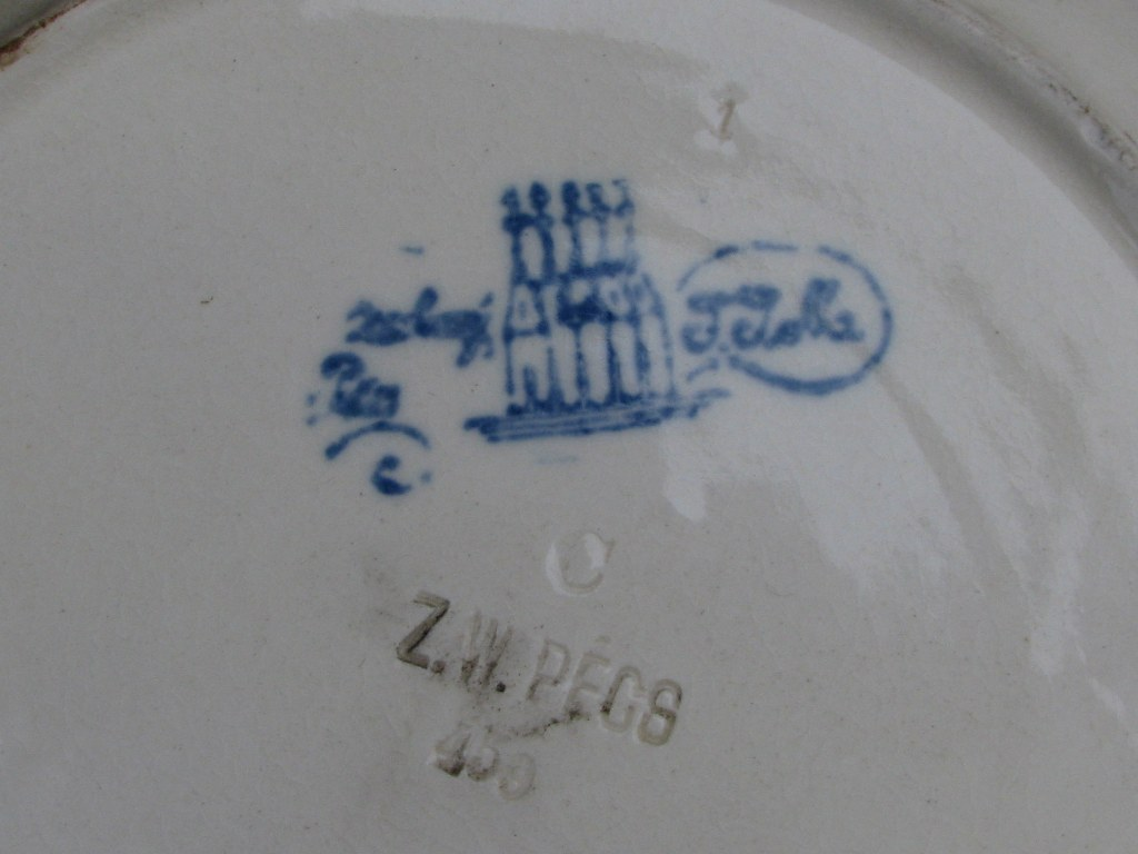 Early Zsolnay dish with Persian motifs-4