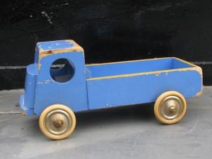 Wooden toy trolly of ADO by Ko Verzuu-1