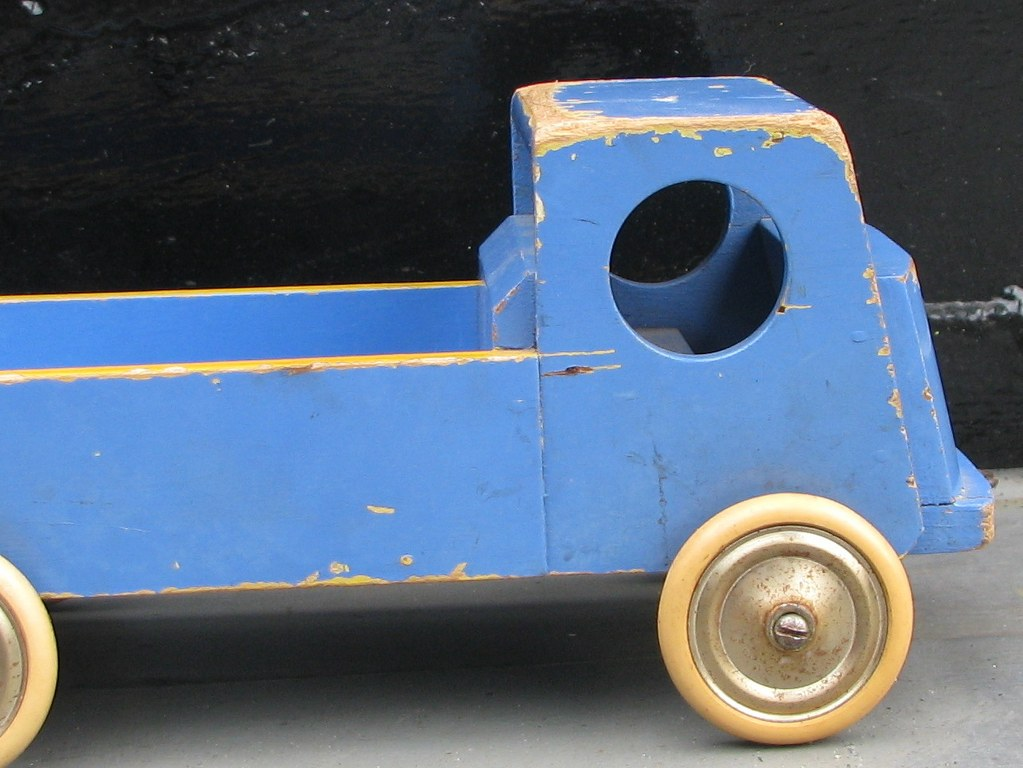Wooden toy trolly of ADO by Ko Verzuu-4