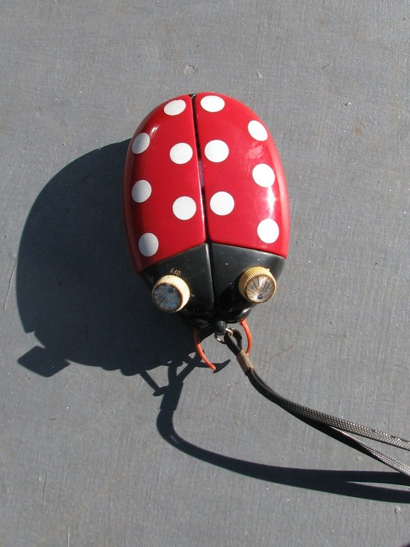 Portable AM radio Sonnet Ladybug LT303 by Dreamland Electronics-1