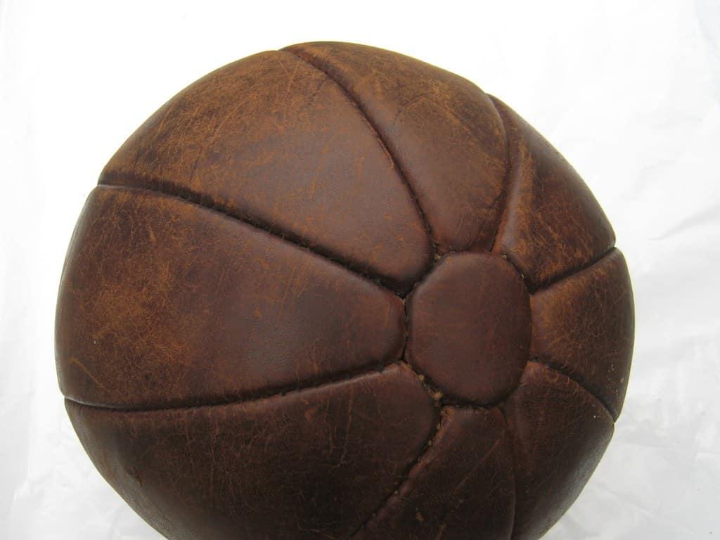 Antieke leren bal voor krachttraining