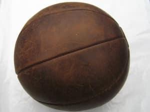 Antieke leren bal voor krachttraining-2