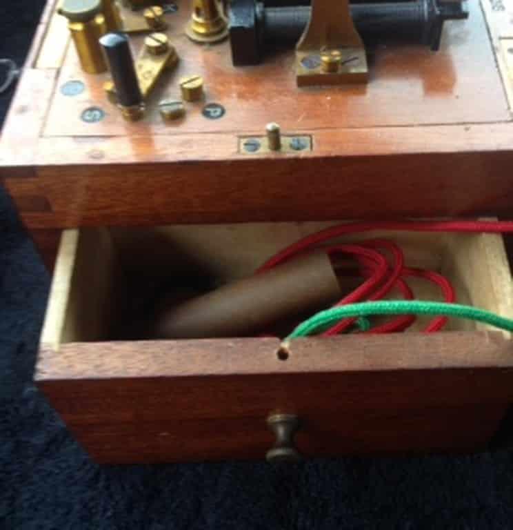 ELECTROSTATIC DEVICE BY JONAS POHL-7