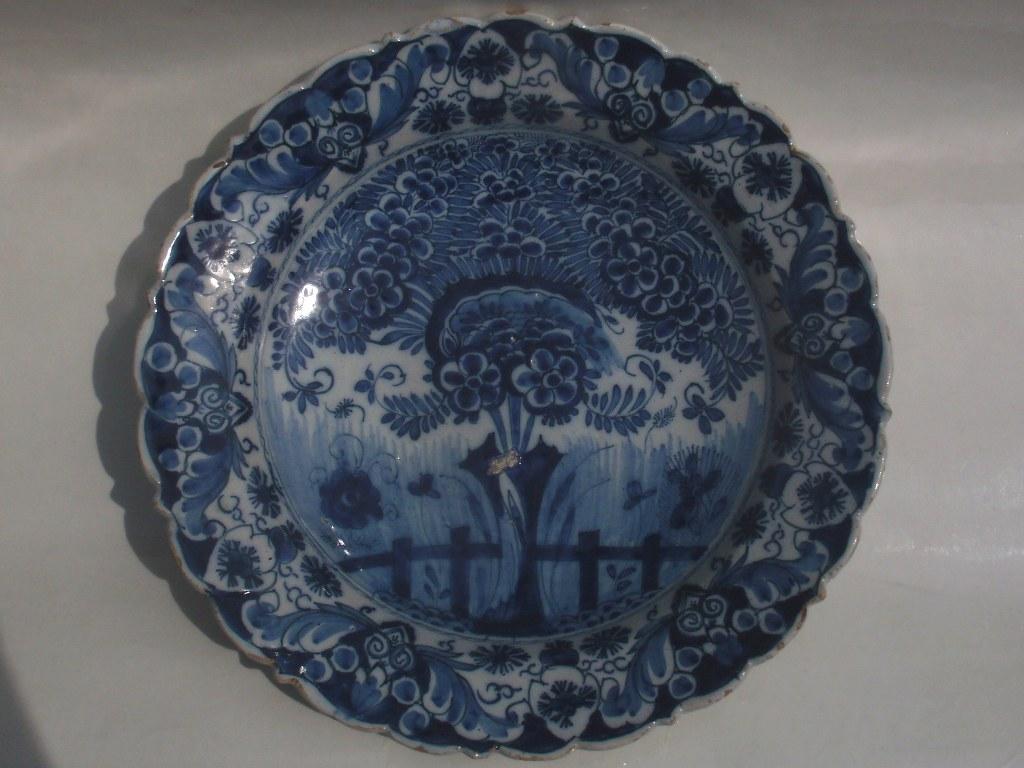 Delfts bord De Porceleyne Clauw 1750