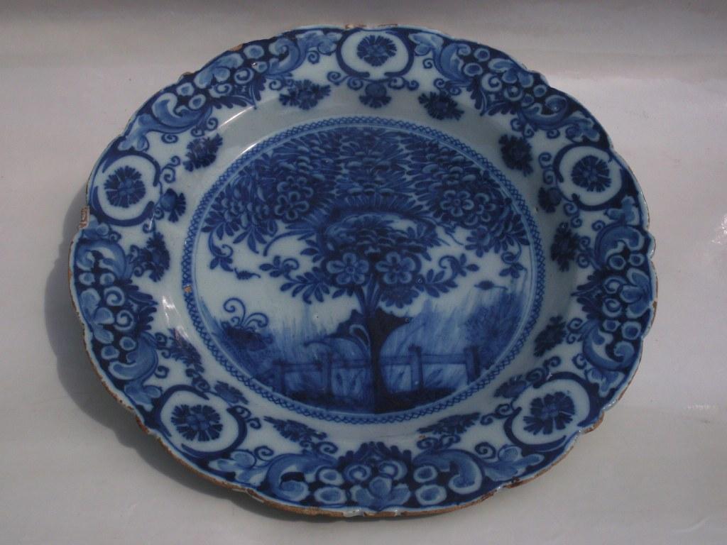 Delfts bord De Porceleyne Bijl 1750