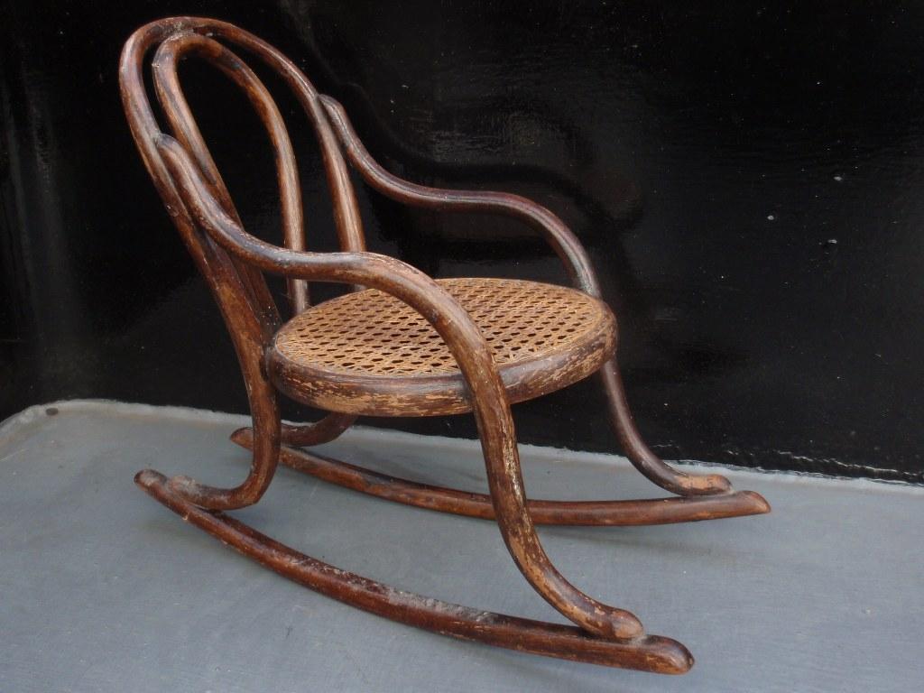 Miniatuur Thonet schommelstoel