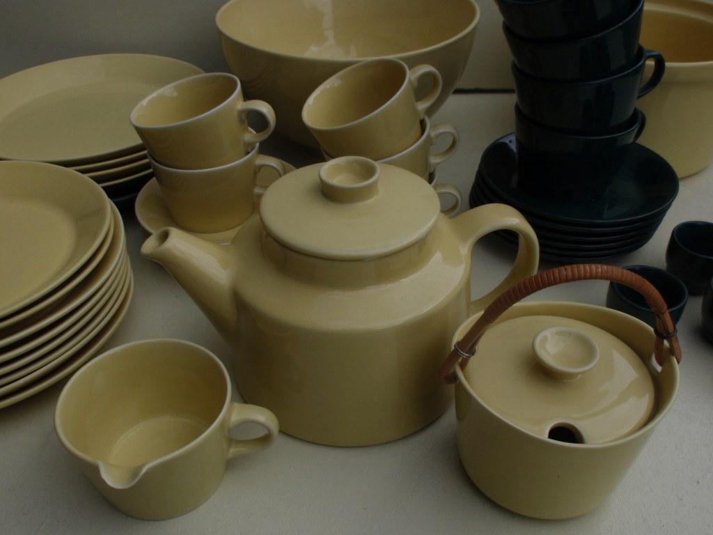 Extensive tea and diner set Arabia Kilta by Kaj Franck