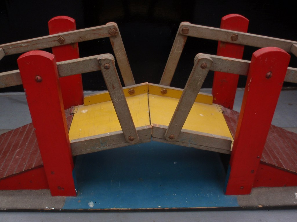 Movable toy bridge from the thirties