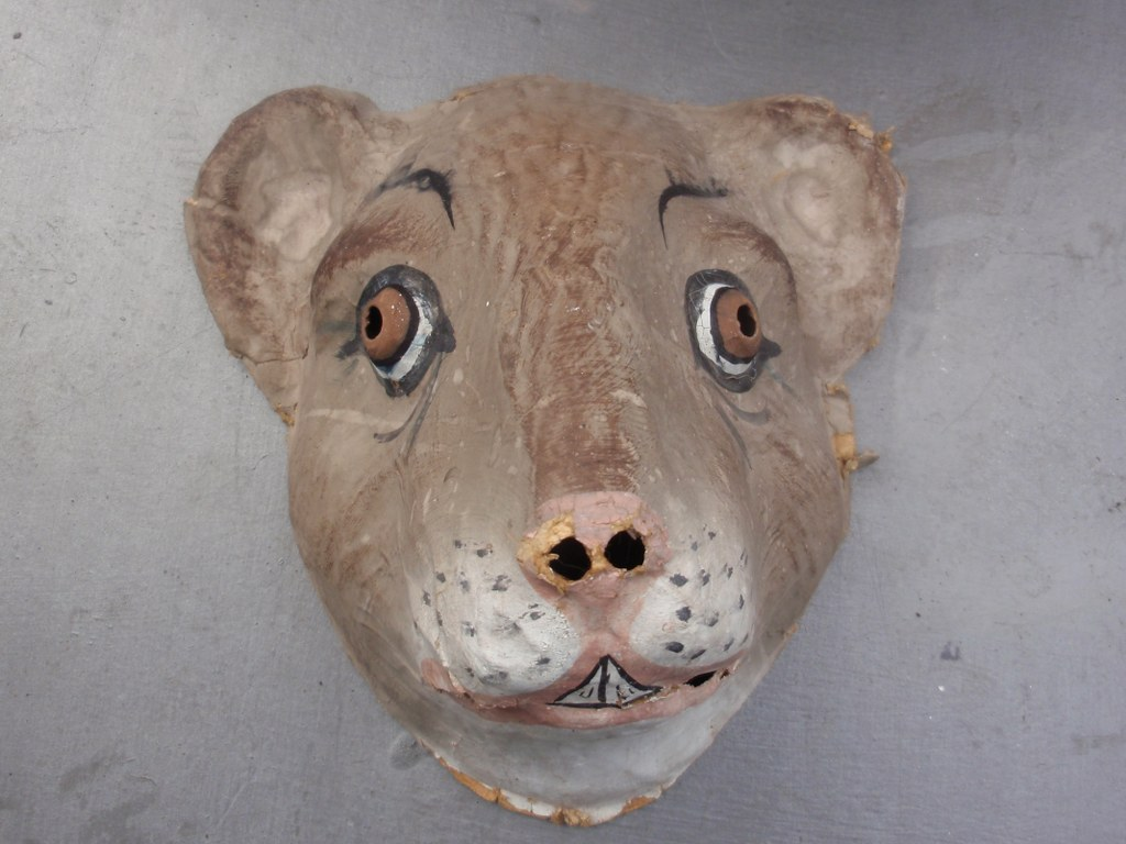Mombakkes in the form of a mouse head