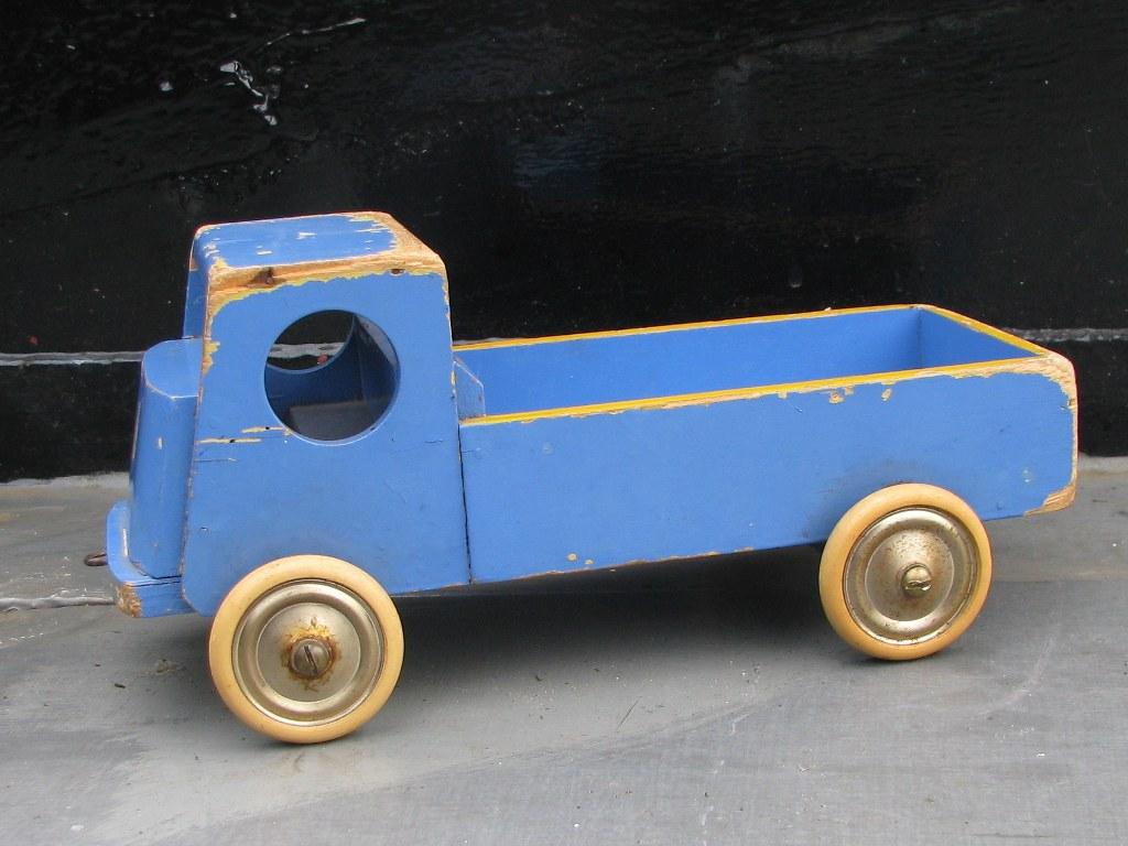 Houten vrachtauto ADO Ko Verzuu