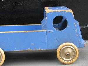 Wooden toy trolly of ADO by Ko Verzuu-4