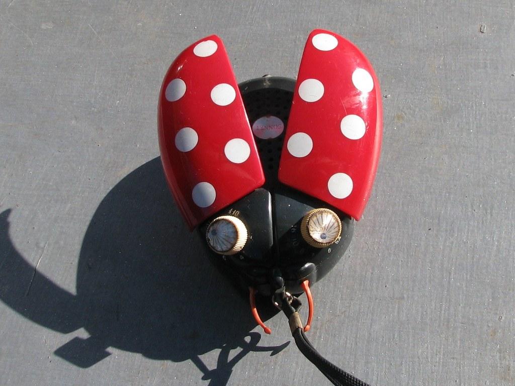 Portable AM radio Sonnet Ladybug LT303 by Dreamland Electronics